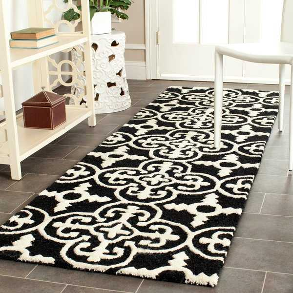 Safavieh Hand-Tufted Cambridge Black/ Ivory Wool Rug - 2'6' x 6'